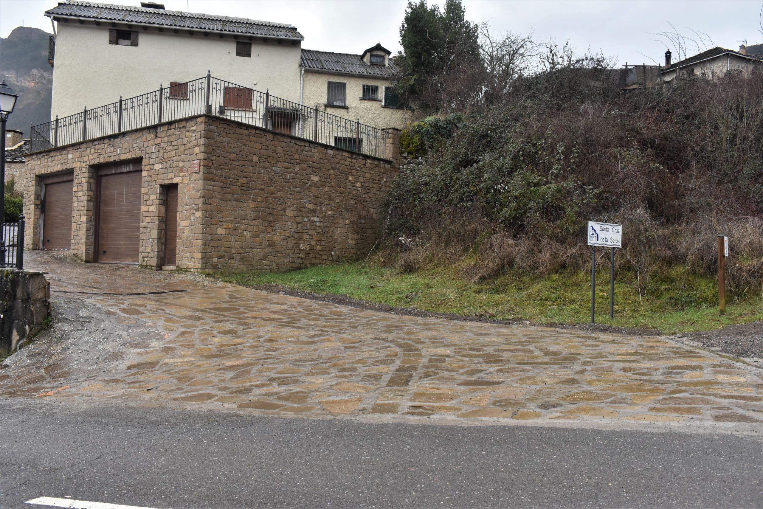 Pavimentación en piedra en Santa Cruz de la Serós
